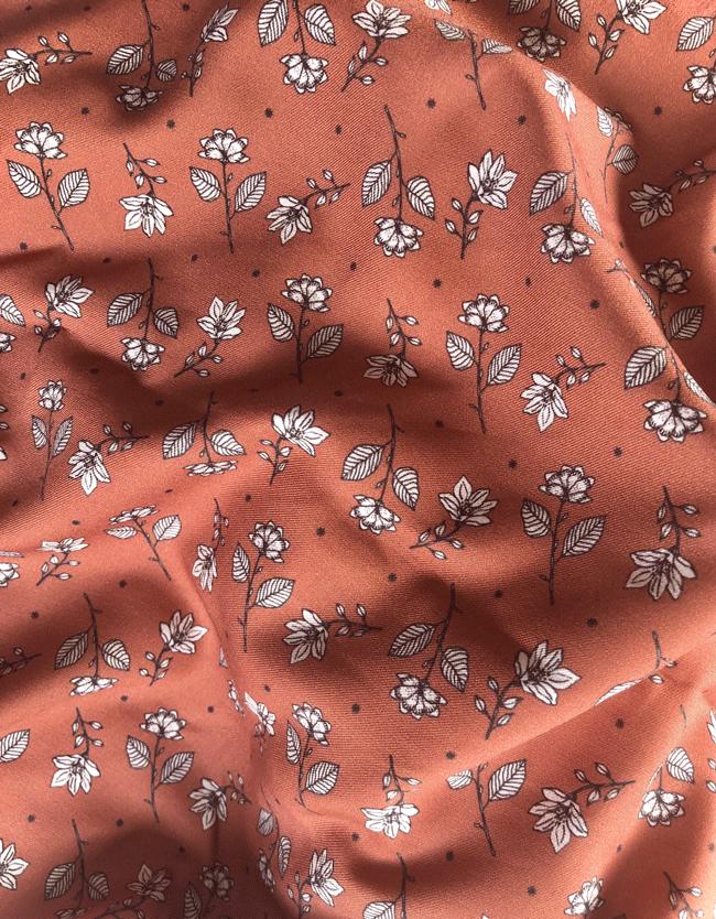Viscose-Romantic-Magnolias-caramel
